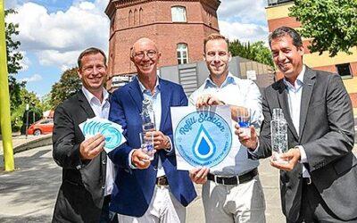 """Projekt """"Refill"""": Kostenlos Wasserflaschen nachfüllen und Müll vermeiden"""