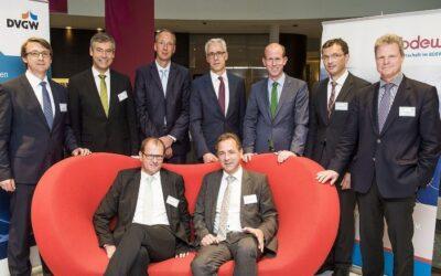 Die deutschen Verbände BDEW und DVGW diskutieren in Brüssel mit.