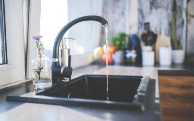 Mikroplastik im Trinkwasser: WHO sieht noch Forschungsbedarf
